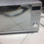 Что делать если микроволновая печь искрит